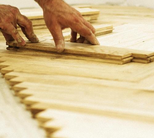 Ремонтные работы деревянных покрытий